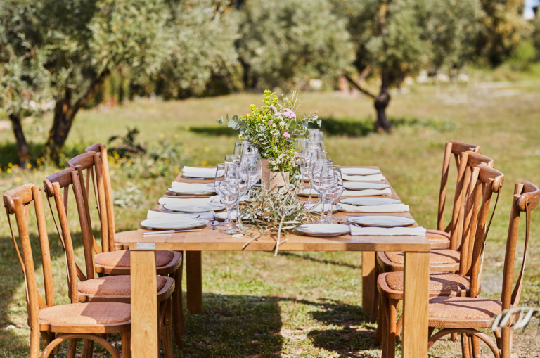 Familiäre Hochzeitsfeier im Grünen